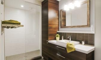 Cuisines salles de bain et salles de lavage designer for Designer interieur longueuil